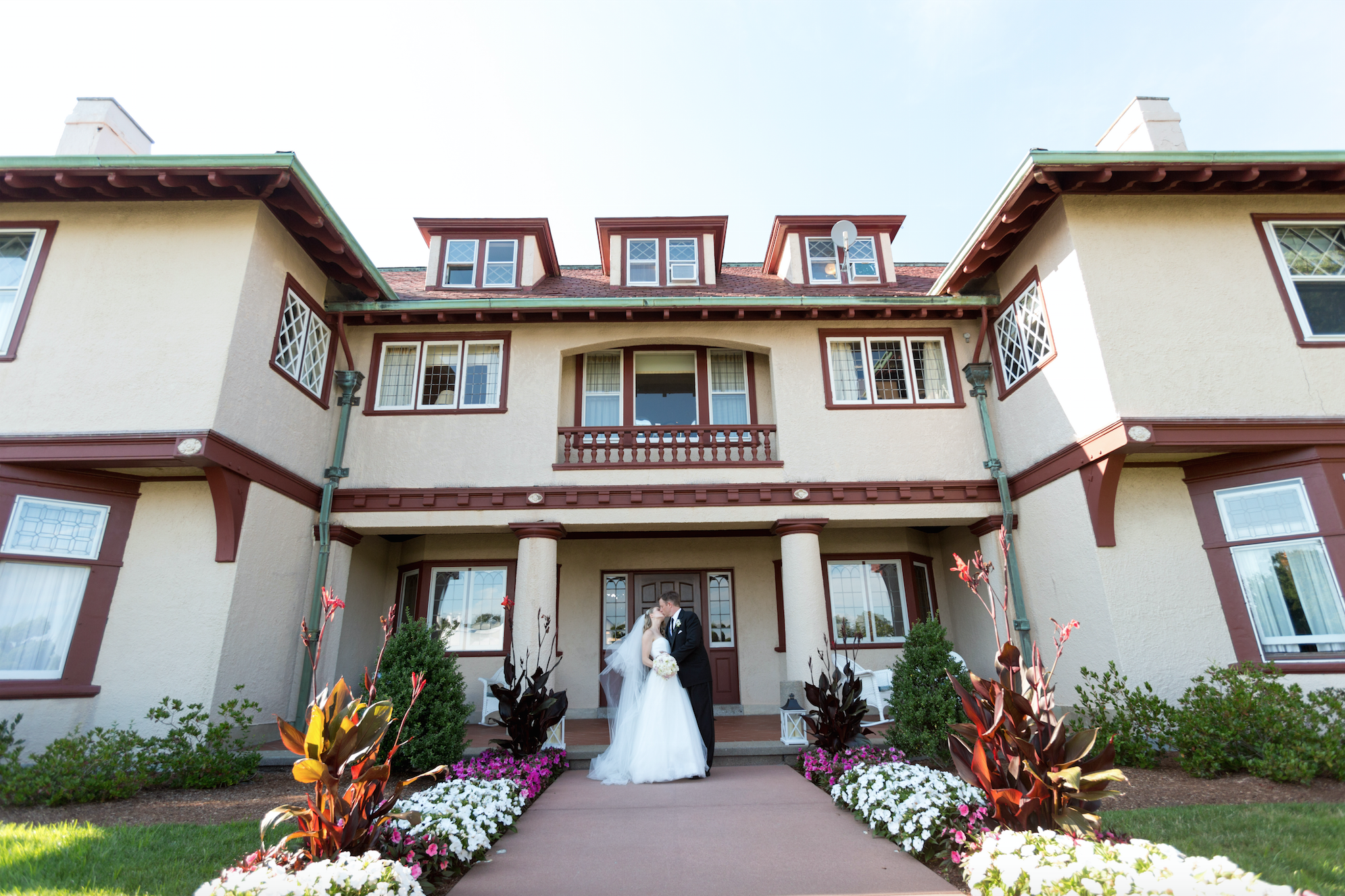 Bride and groom at Ocean Edge Mansion