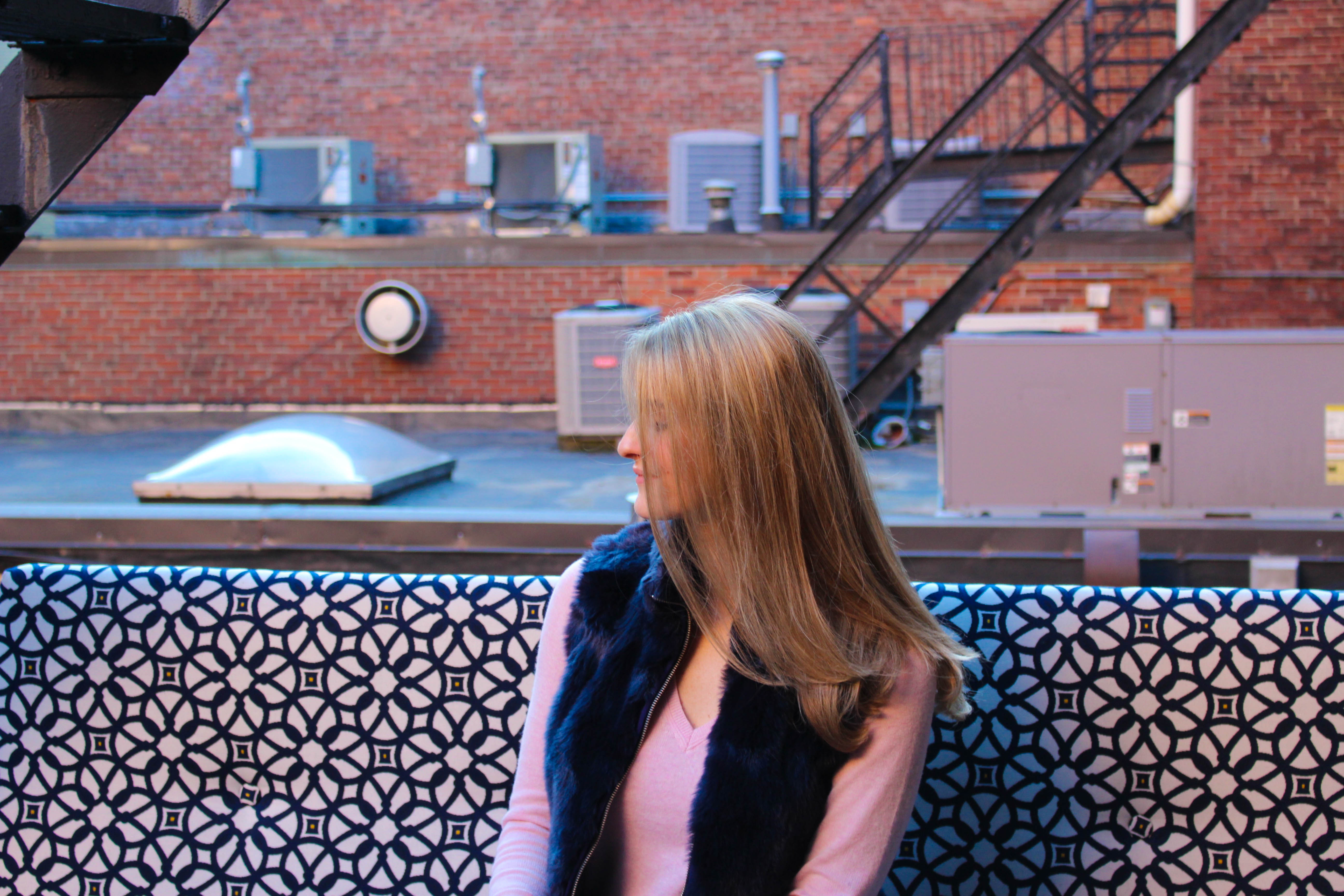 Blogger Lindsay Shores on Salon Acote patio on Newbury Street